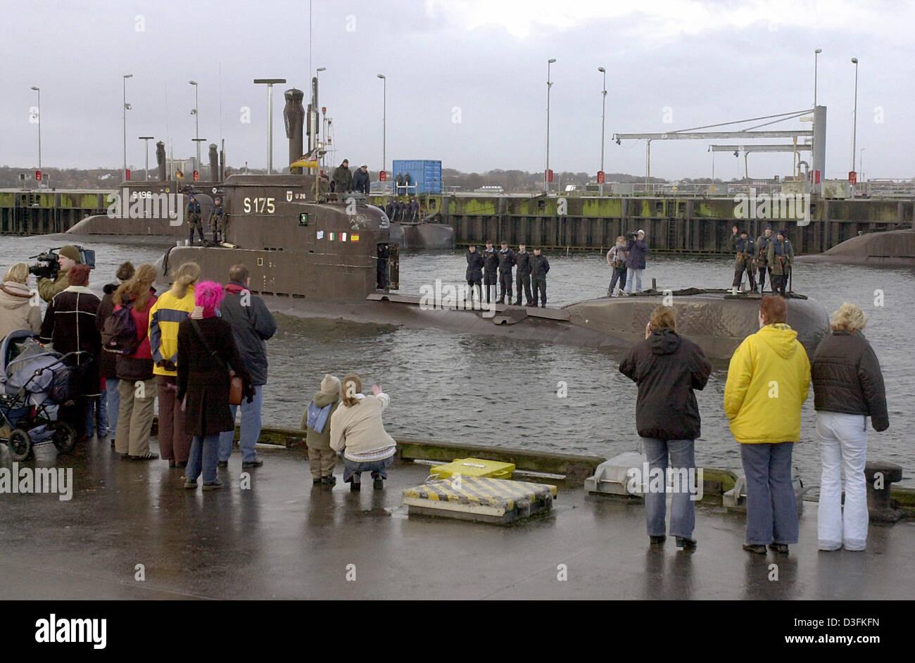 (Dpa) - El submarino alemán U26 regresa después de 332 días, al puerto de Eckernfoerde, Alemania, Imagen De Stock