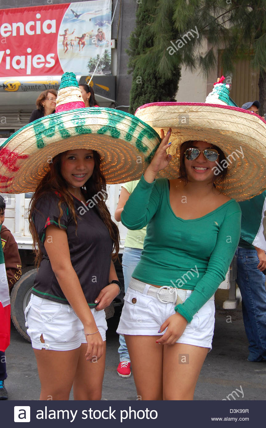 Woman Wearing Sombrero Hat In Fotos e Imágenes de stock Alamy