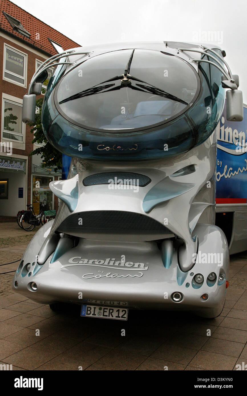 (Dpa) - La imagen de fecha 03 de agosto de 2005, muestra un camión diseñado por el diseñador alemán Imagen De Stock