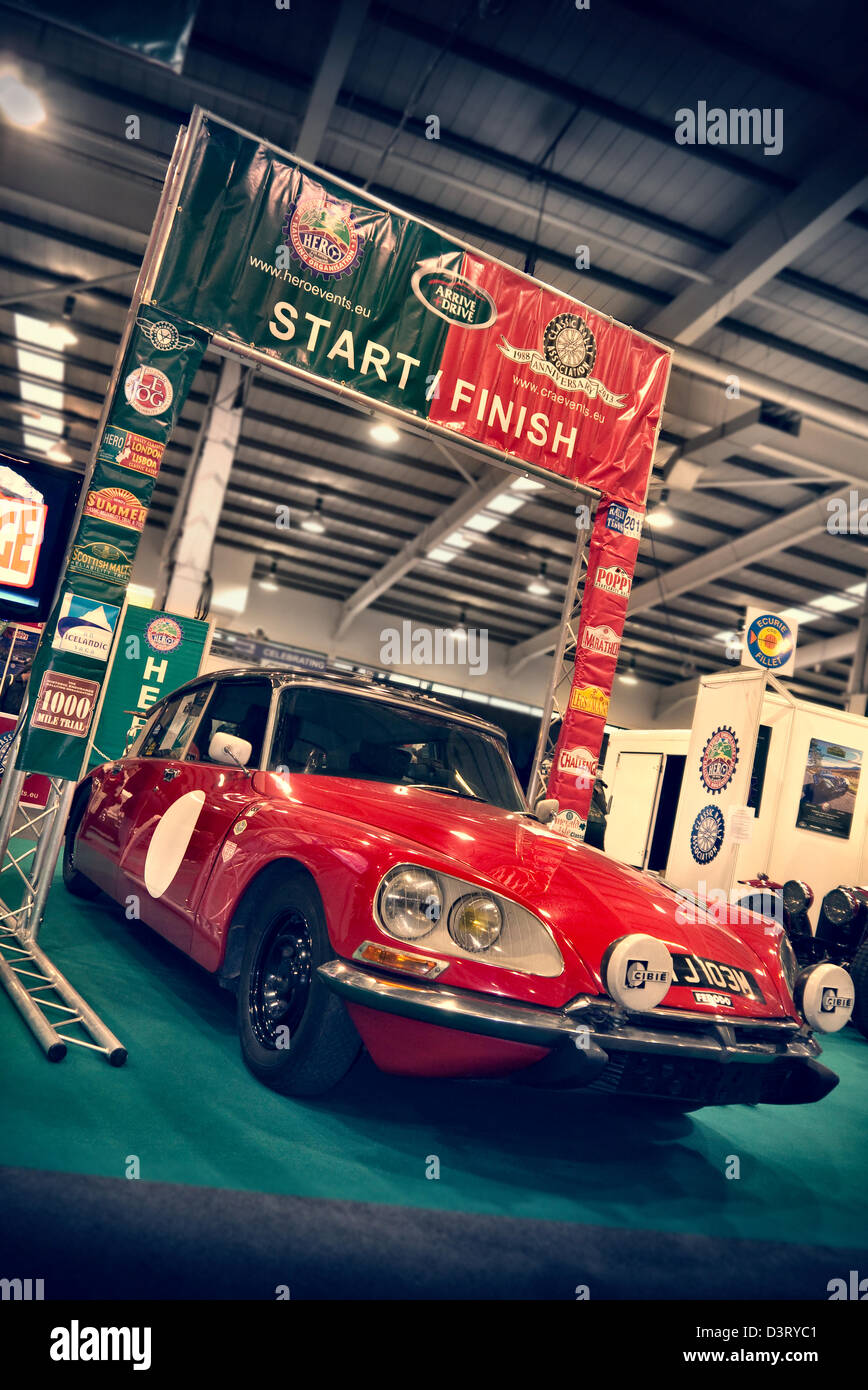 Stoneleigh Park, Warwickshire, Reino Unido. 22 Feb, 2013. La carrera de Retro car show en Stoneleigh Park Warwickshire. Imagen De Stock