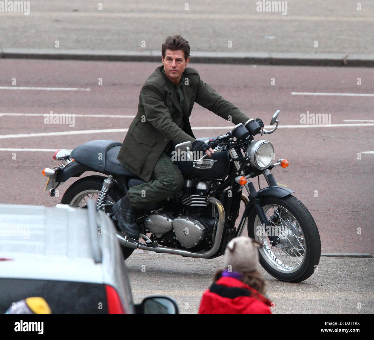 Londres Reino Unido 24 De Febrero De 2013 Tom Cruise Visto
