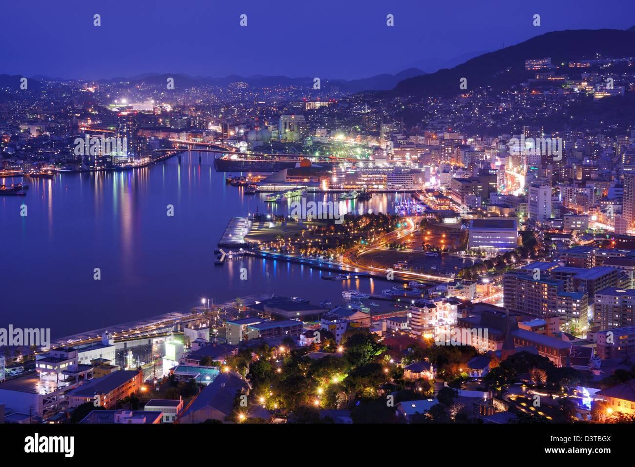 El horizonte de la bahía de Nagasaki, Japón. Imagen De Stock