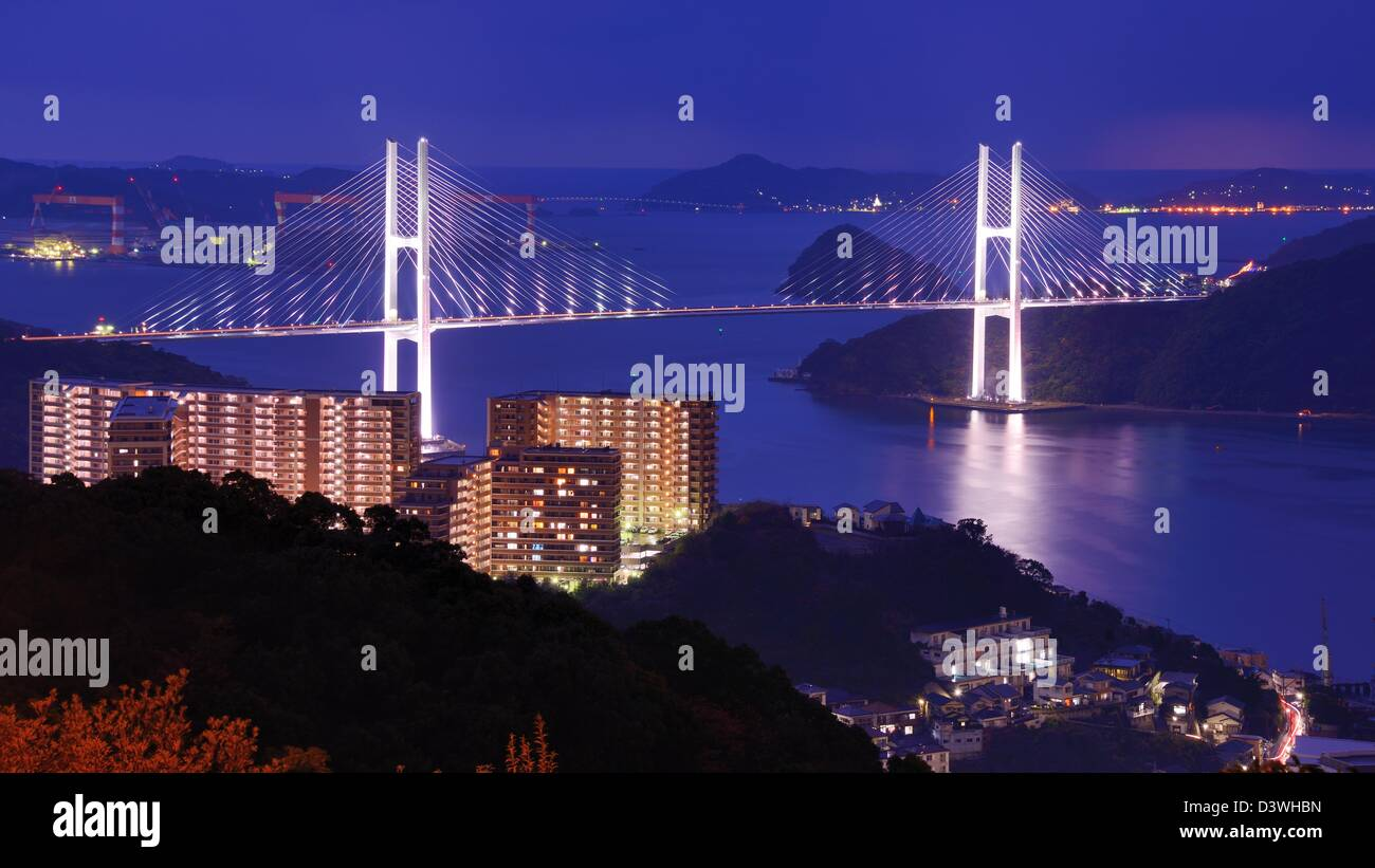 Abarcando la bahía de Nagasaki, Japón. Imagen De Stock