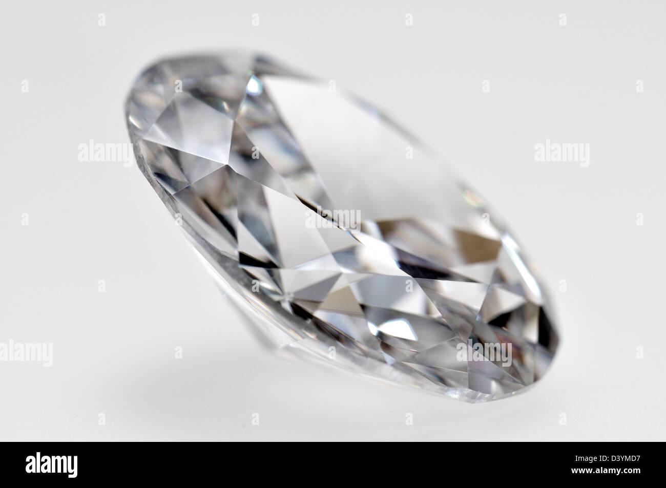 Diamante de corte ovalado (Sintético - zirconia cúbico) Imagen De Stock
