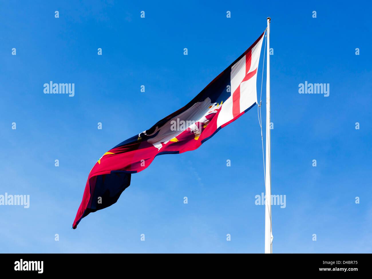 Banner personal de Richard III volaba sobre Ambion Hill, Bosworth Battlefield, Leicestershire, East Midlands, Reino Foto de stock