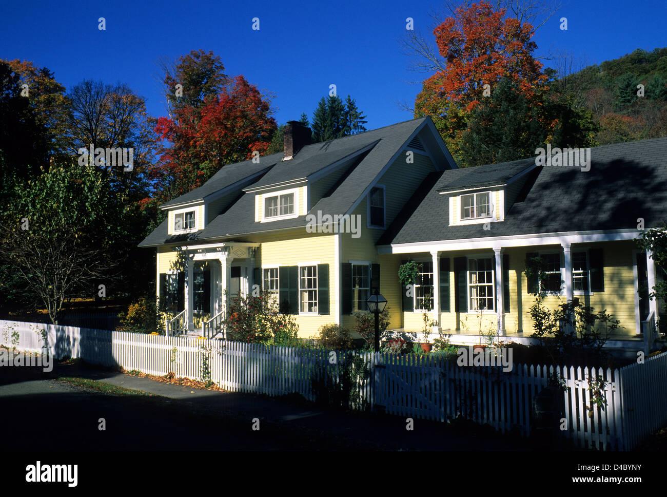 Elk280-1310 Vermont, Woodstock, histórica casa Imagen De Stock