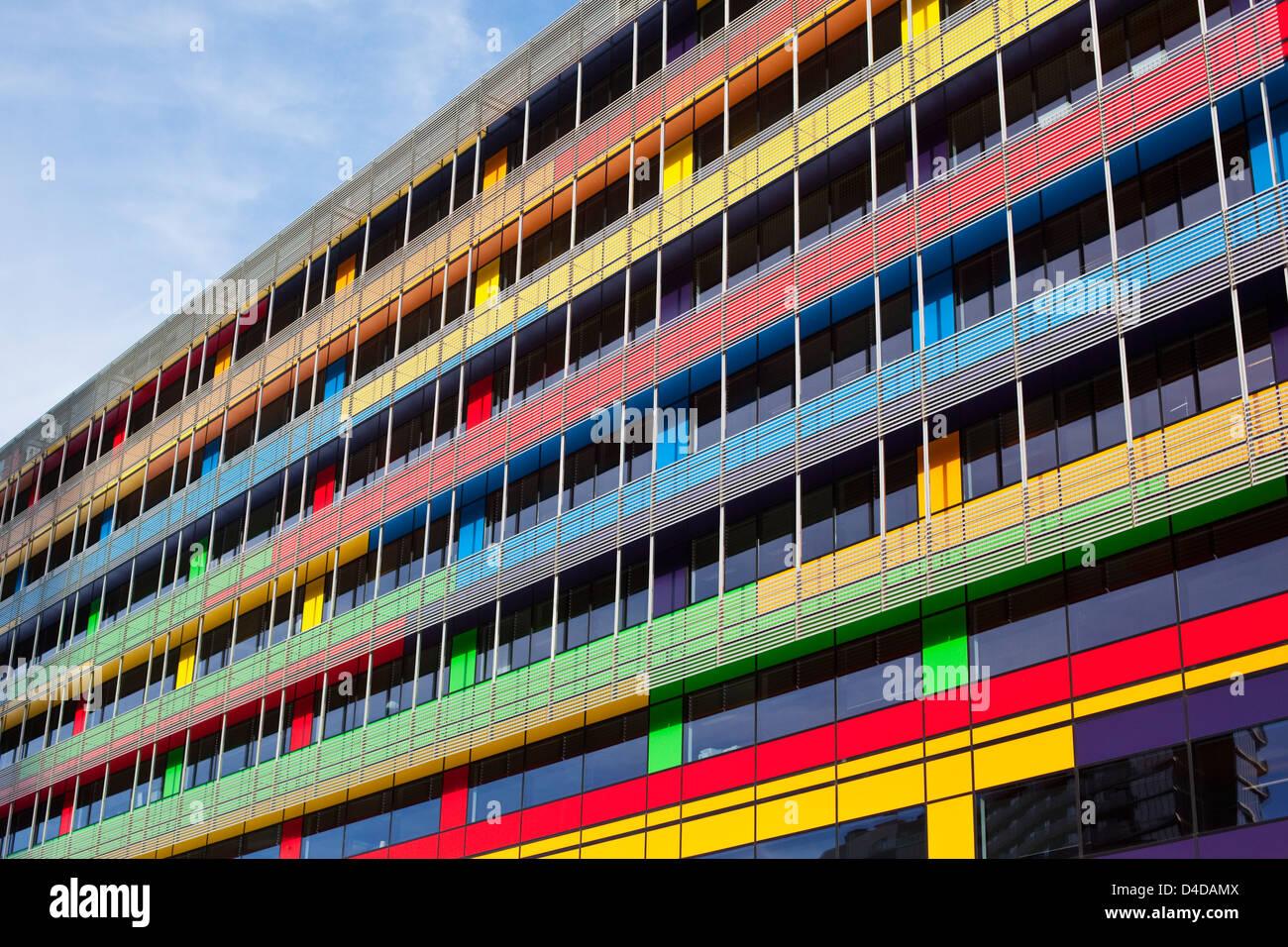 Colorida arquitectura de la sede del Banco Nacional de Australia en los Docklands. Melbourne, Victoria, Australia Imagen De Stock