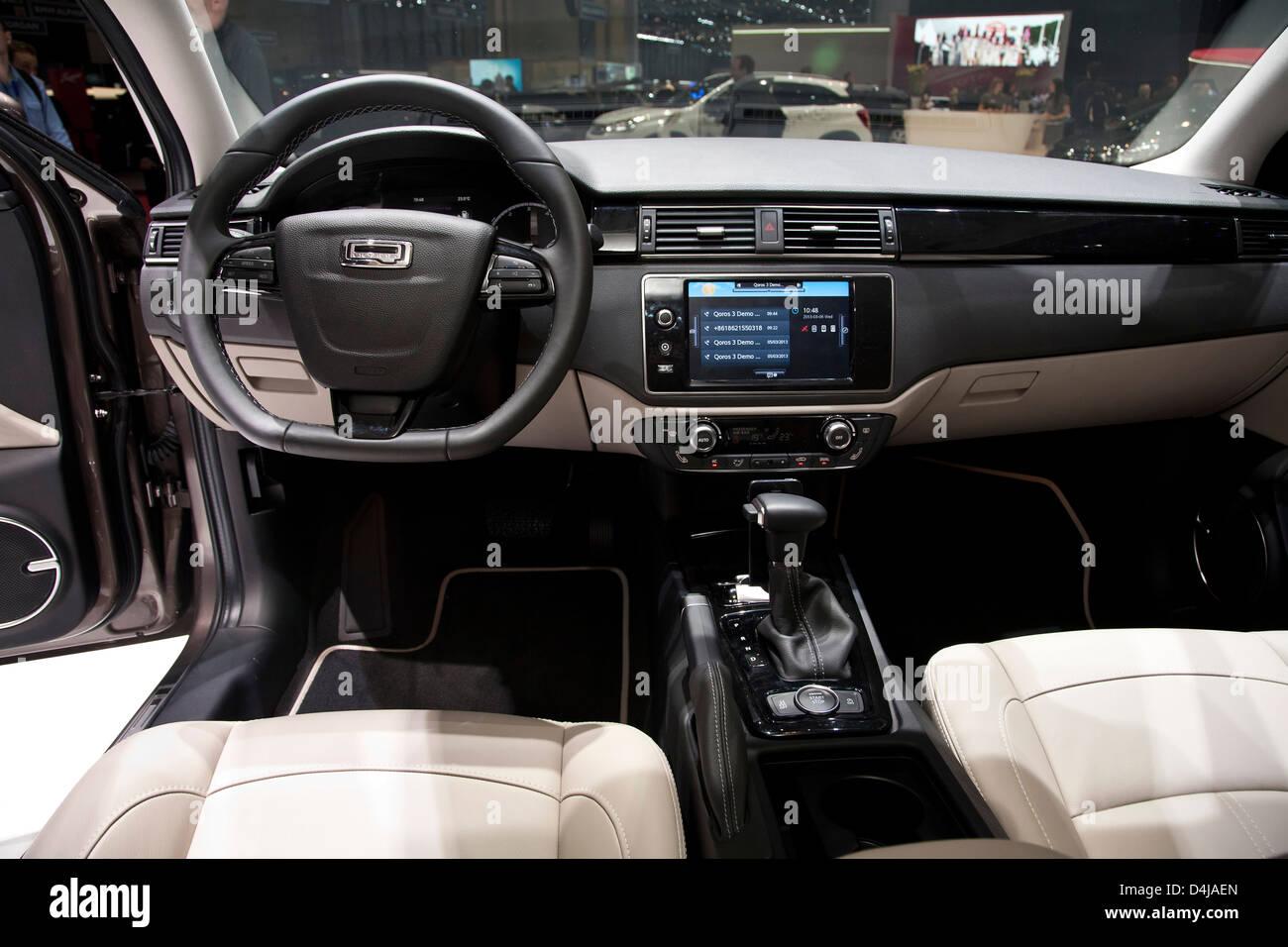 Nueva marca de automóvil Qoros chino hace su debut en el Salón del Automóvil de Ginebra. Estreno Imagen De Stock