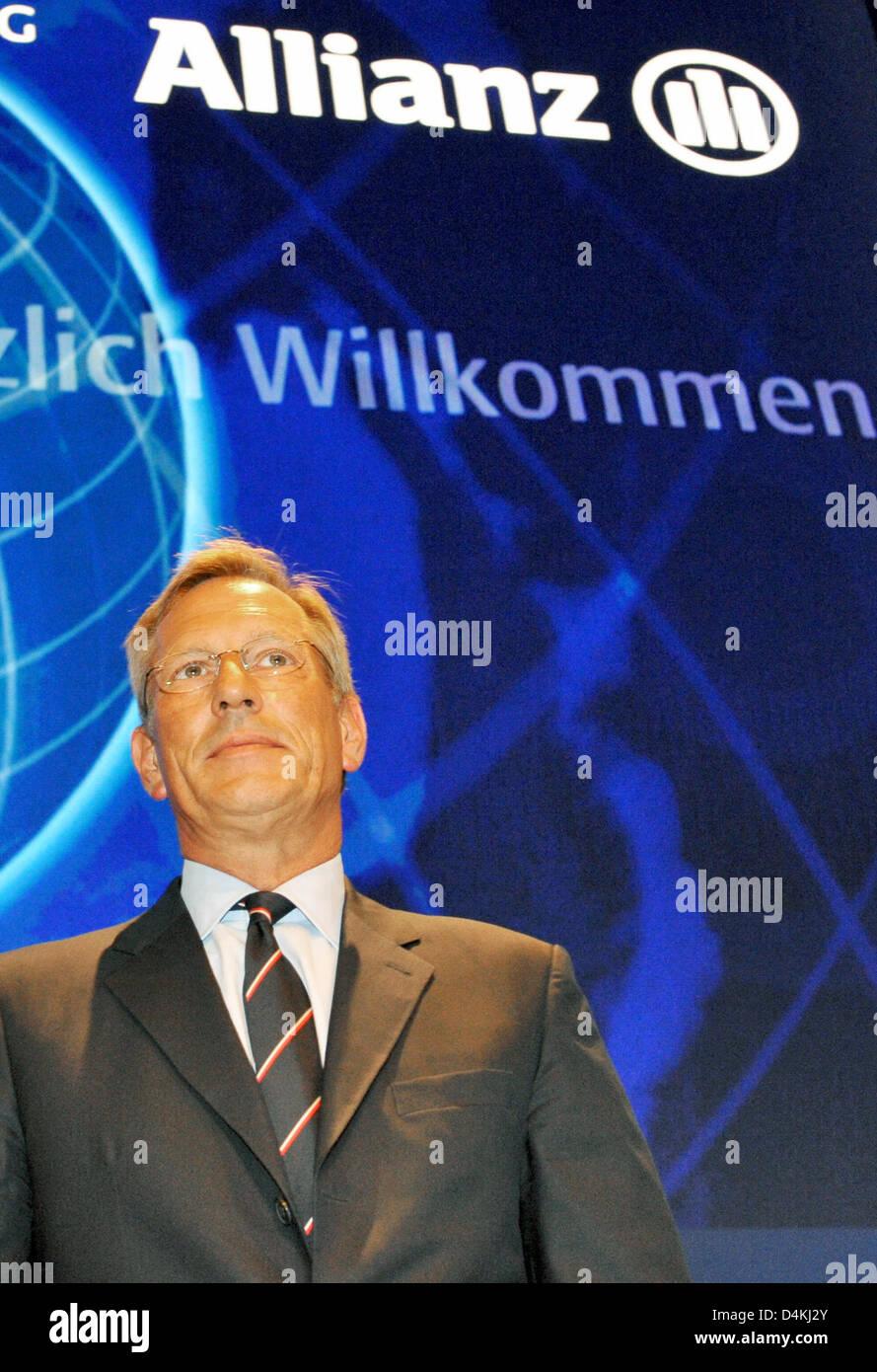 CEO de Allianz, Michael Diekmann, ilustra a la compañía de seguros?s asamblea general celebrada en Munich, Alemania, el 29 de abril de 2009. Europa?s más grande compañía de seguros Allianz todavía no ofrece ninguna perspectiva para el año en curso, debido a la crisis económica y financiera mundial. Foto: Frank LEONHARDT Foto de stock