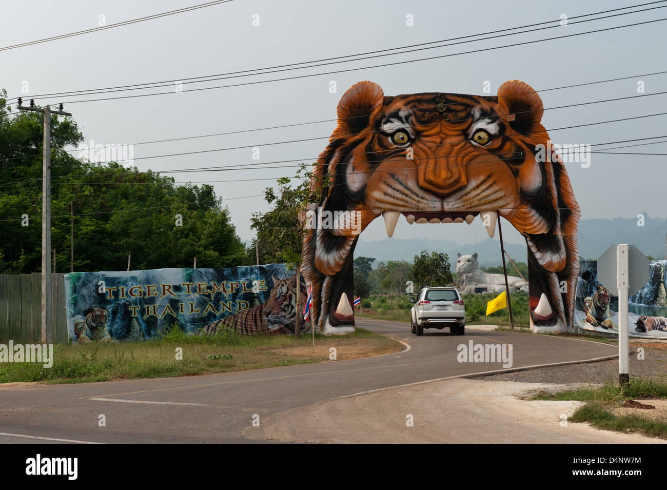 Kanchanaburi, Tailandia, la entrada al Templo del Tigre Imagen De Stock
