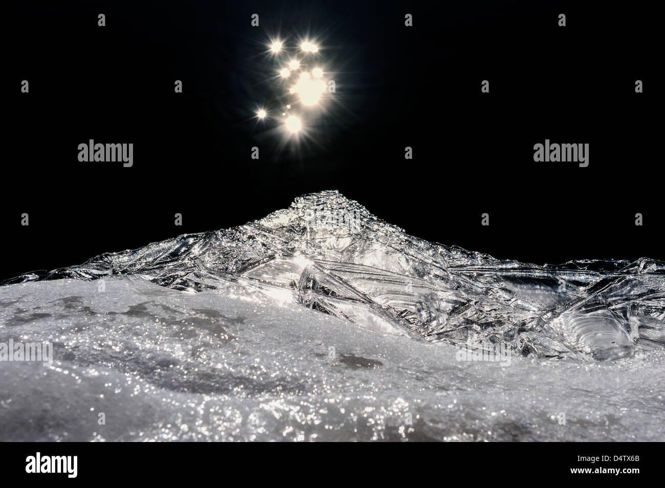 Las estrellas brillantes se refleja en el río Göta Älv, Suecia, Europa Imagen De Stock