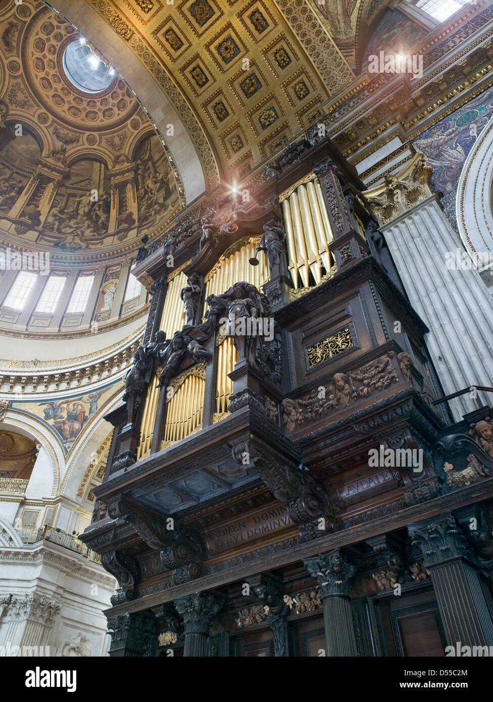 Órgano de la Catedral de St Paul's caso Imagen De Stock