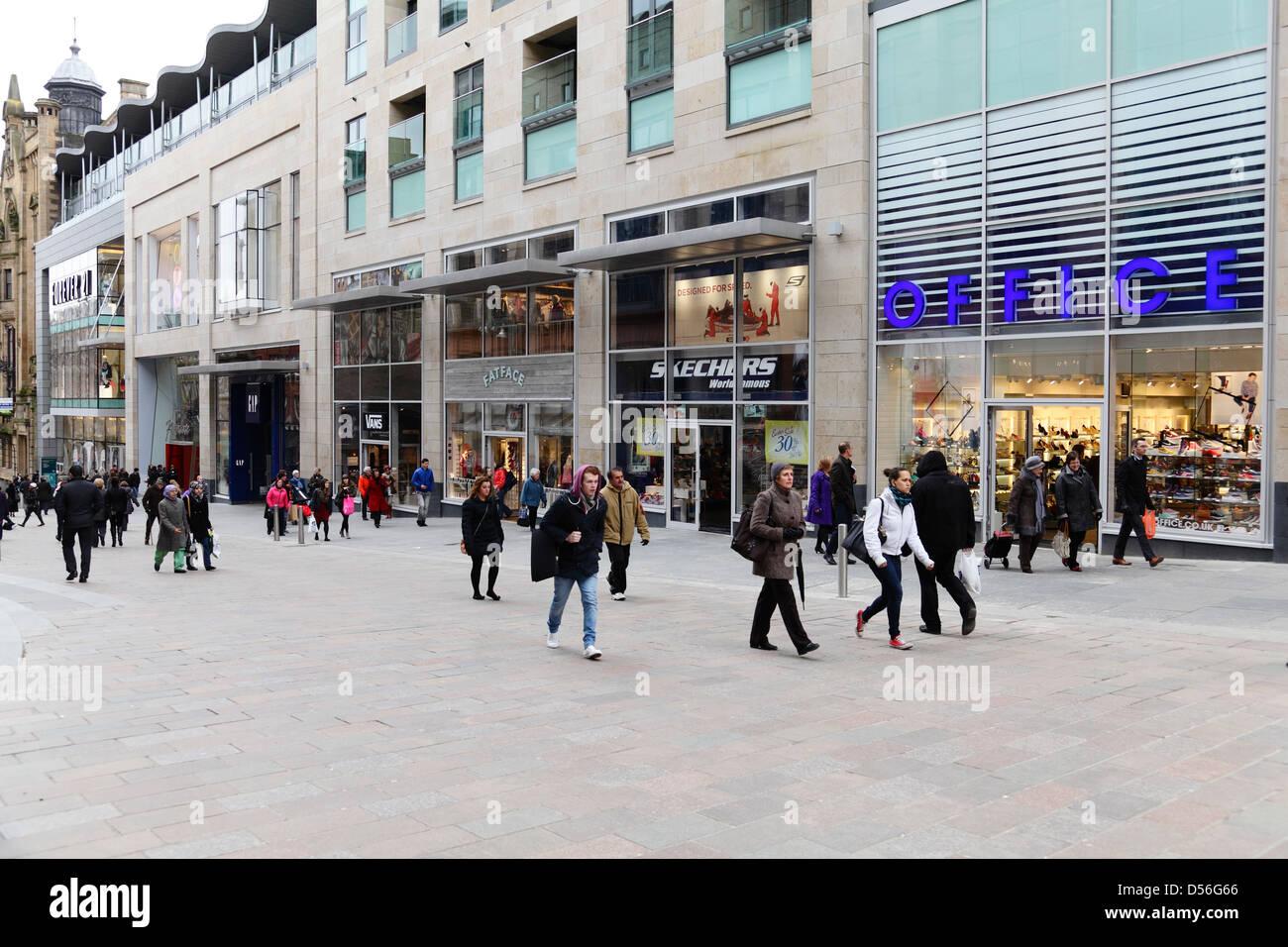 Buchanan Street zona peatonal en el centro de la ciudad de Glasgow, Escocia, Reino Unido Imagen De Stock