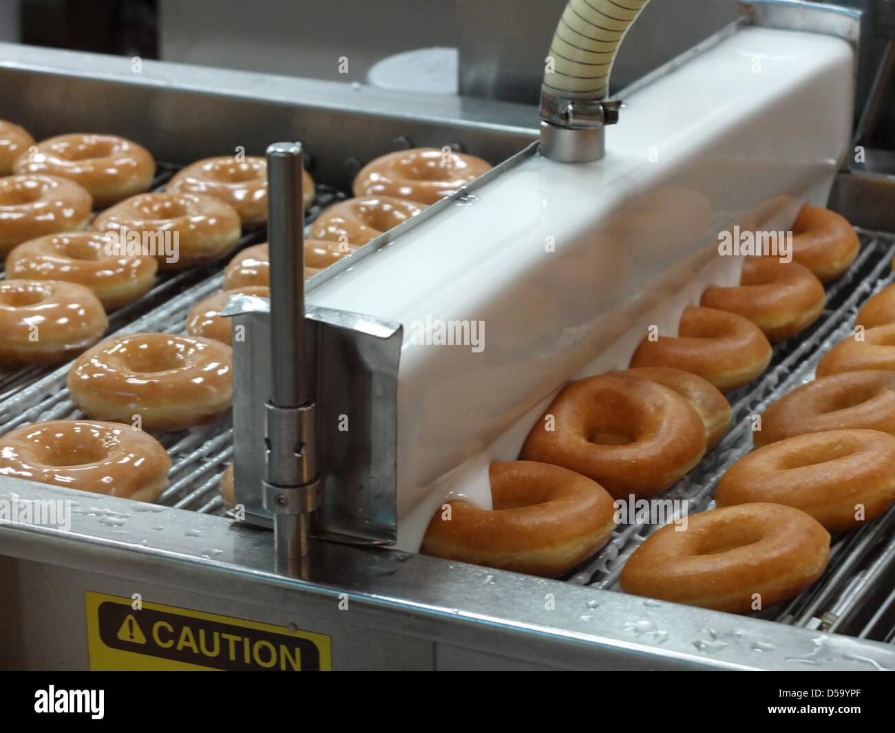 Krispy Kreme donuts producción en Seúl, Corea del Sur Foto de stock