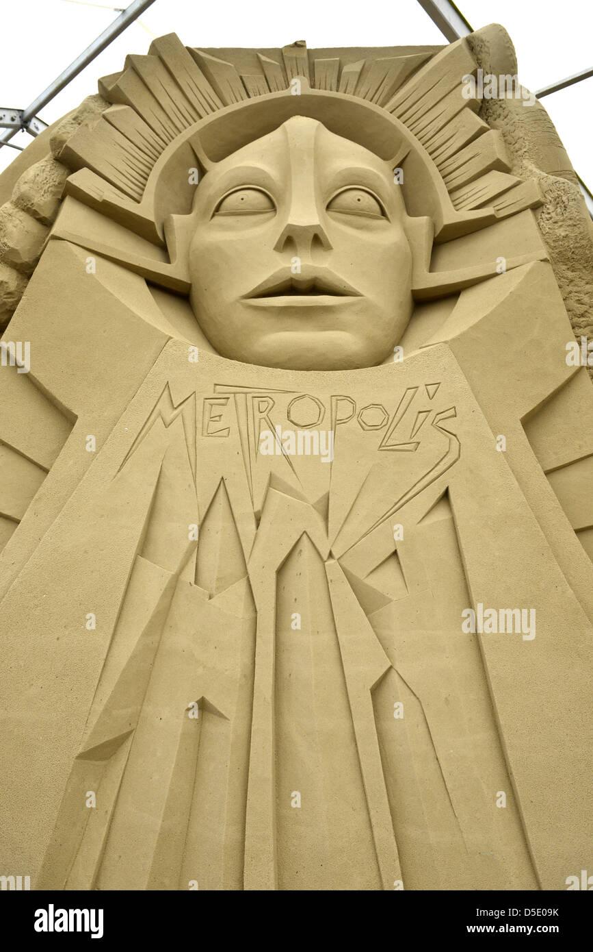 Escultura de arena en Sandworld Metropolis en Weymouth Dorset, Inglaterra. Imagen De Stock
