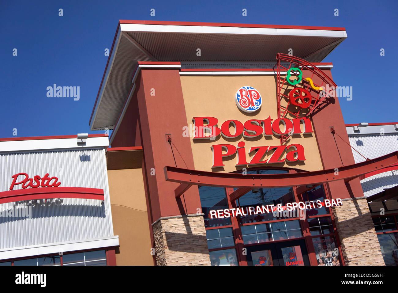 Boston Pizza Restaurant & Bar de deportes Imagen De Stock