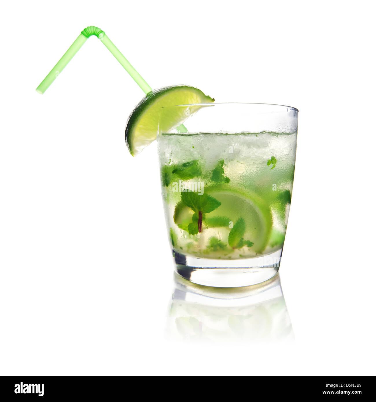 La menta y el hielo bebida mohito closeup Foto de stock