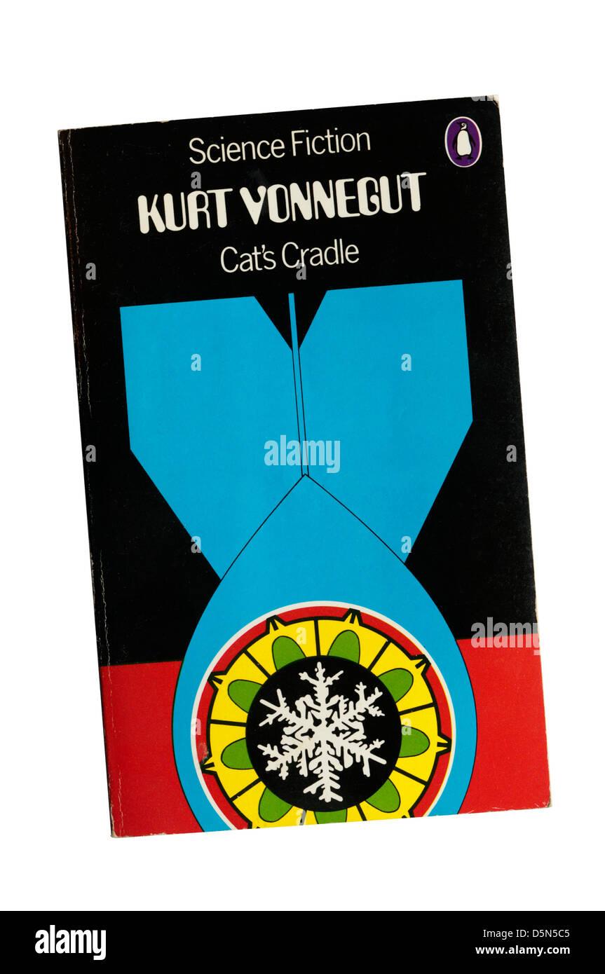 Cat's cradle por Kurt Vonnegut. Imagen De Stock