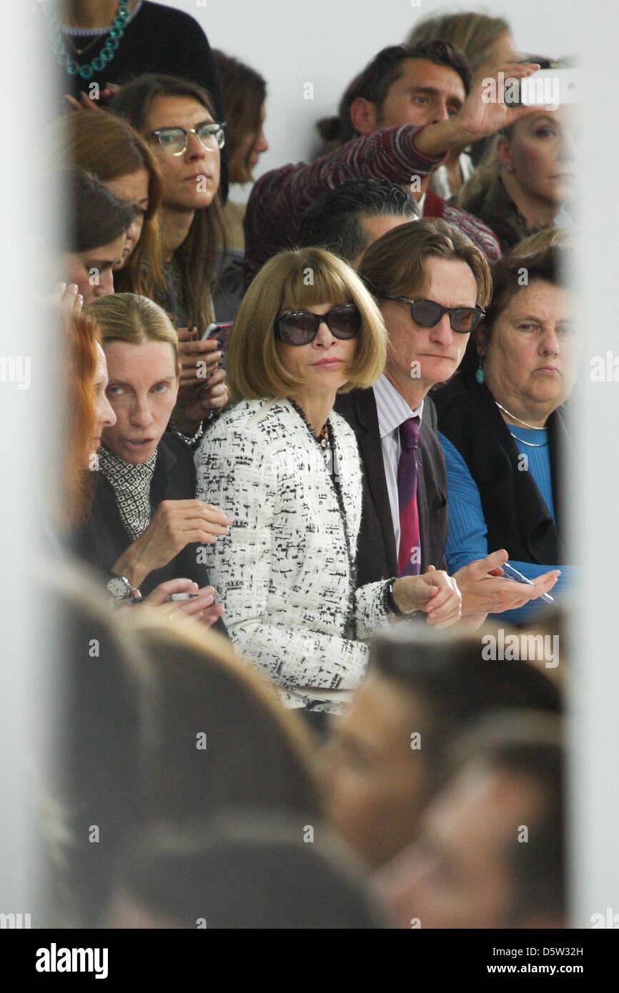Nosotros la revista Vogue editor-en-Jefe Anna Wintour asistir a la  presentación del 10778739e3