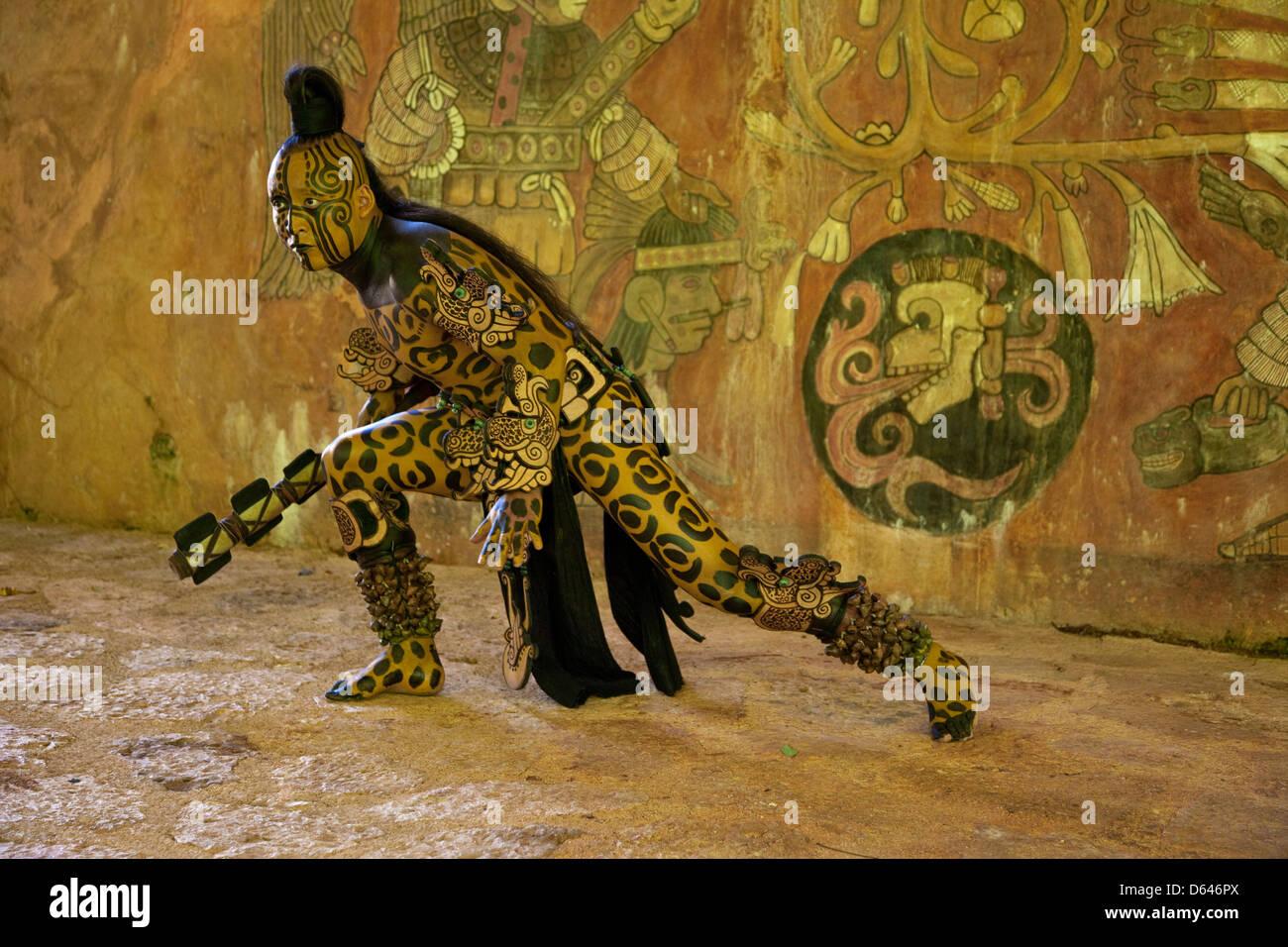 Dios Jaguar Fotos E Imagenes De Stock Alamy