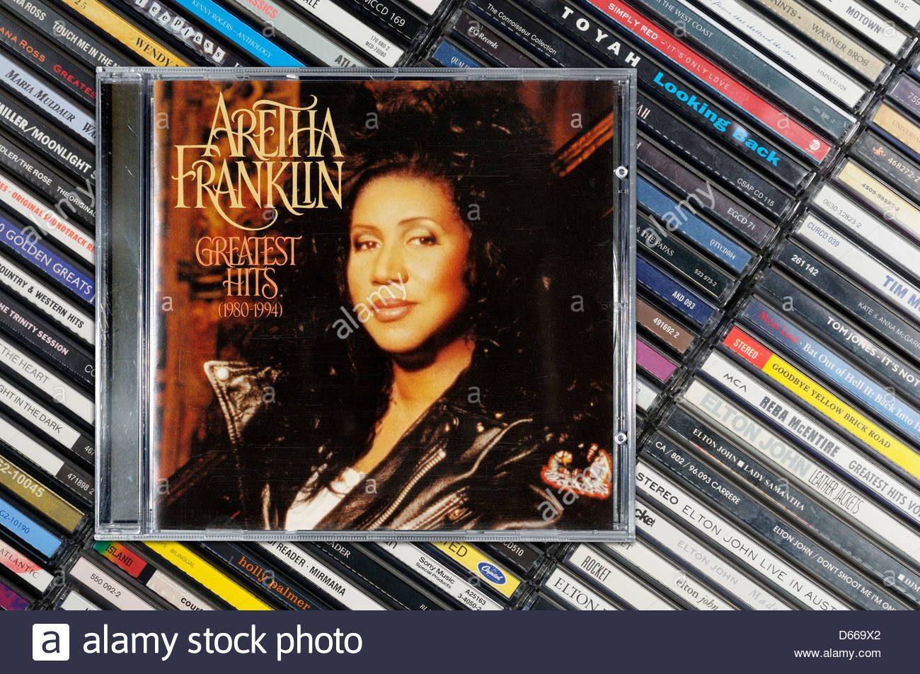 Aretha Franklin álbum Greatest Hits, amontonado en casos de CD de música, Inglaterra Foto de stock