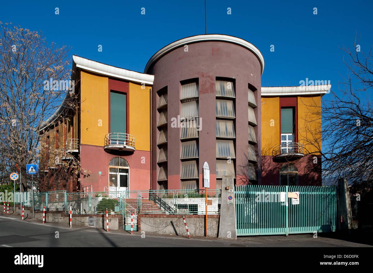 Génova, Italia, la antigua escuela de Gil en Corso Monte Grappa en Génova Foto de stock