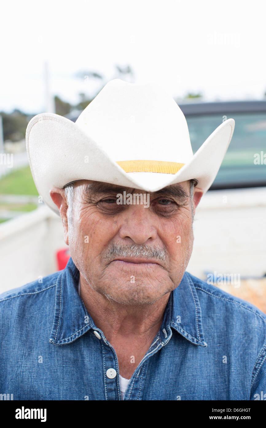 Head Man Wearing Cowboy Hat Imágenes De Stock   Head Man Wearing ... fc46d9e4a74