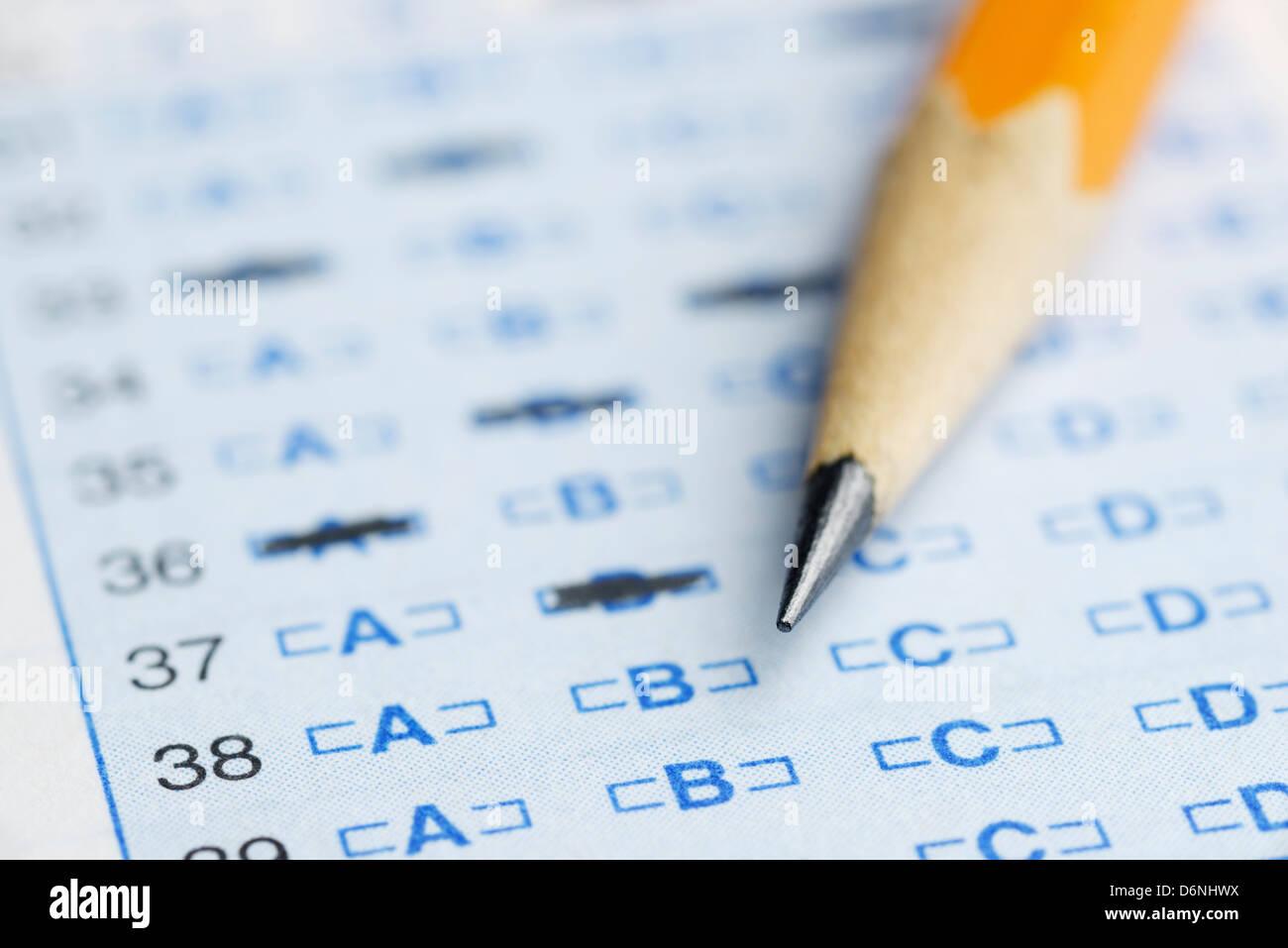 Hoja de respuestas de escaneo óptico para un examen escolar Imagen De Stock