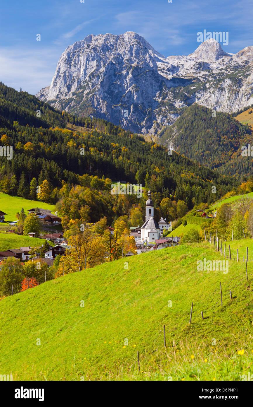 Vista de Ramsau en otoño, cerca de Berchtesgaden, Baviera, Alemania, Europa Foto de stock