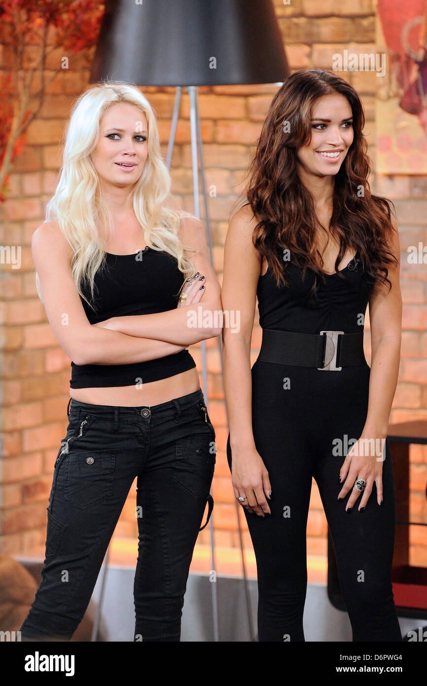2467509ff0a4 Lauren Bennett y Vanessa Curry The Pussycat Dolls aparece en la Marilyn  Denis Show para exhibir un entrenamiento divertido y eficaz
