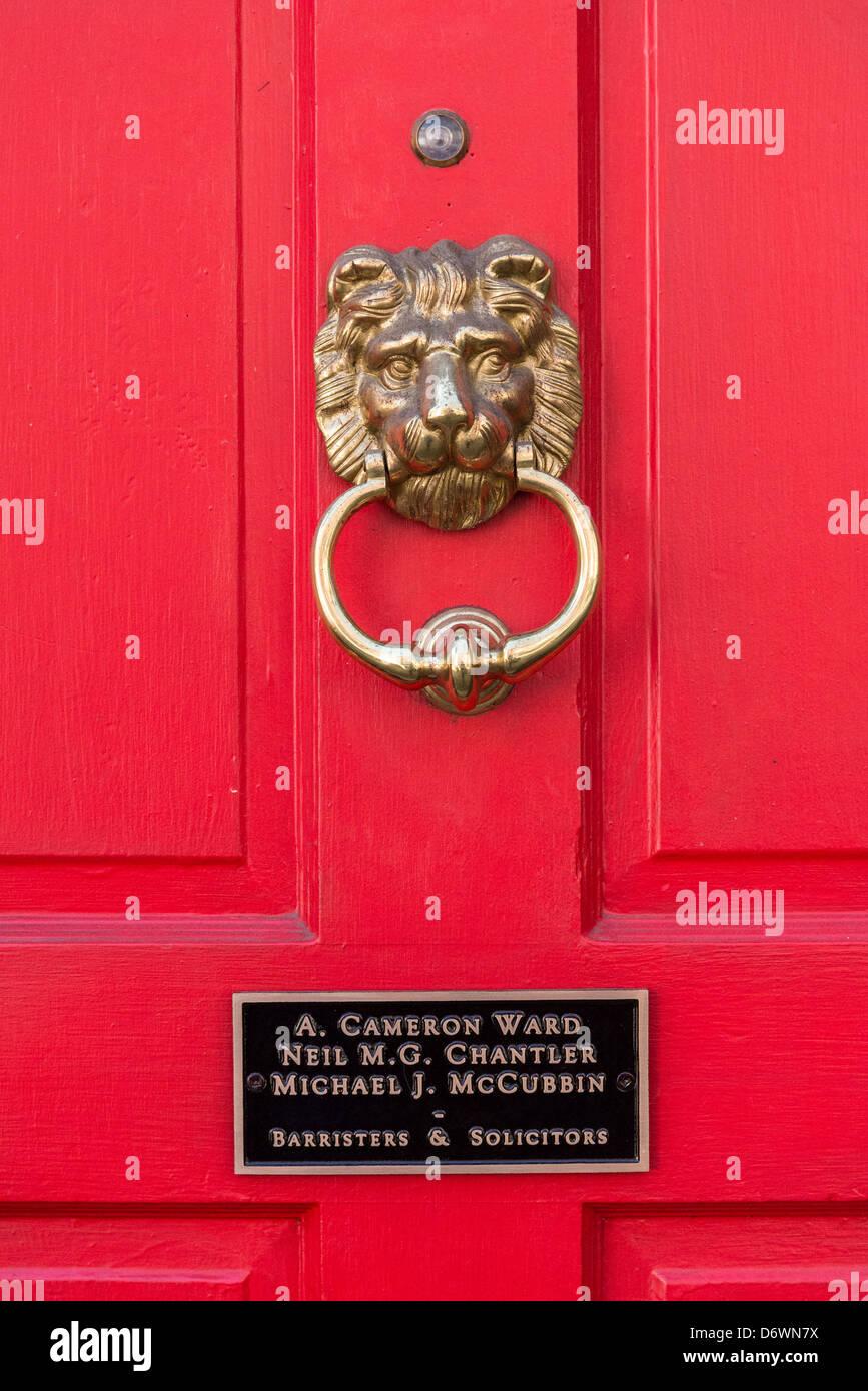Barristers puerta con lion martinete. Imagen De Stock