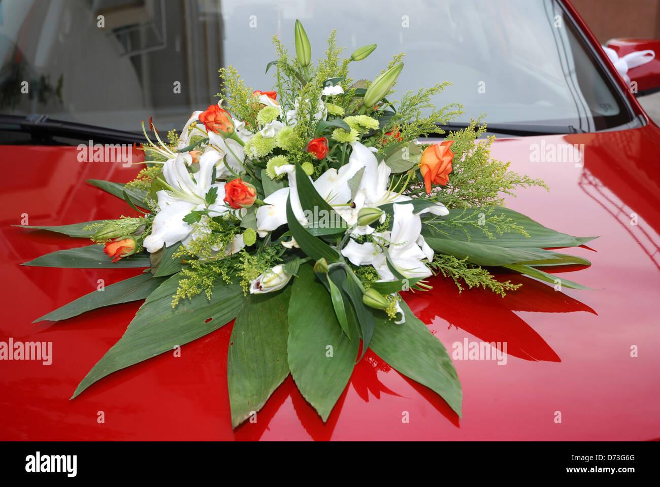 Arreglos Florales En Coche De Boda Foto Imagen De Stock