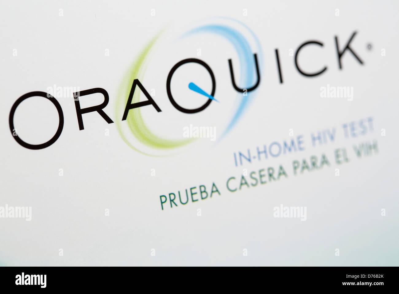 Un Oraquick en casa el kit de pruebas de detección del VIH. Imagen De Stock