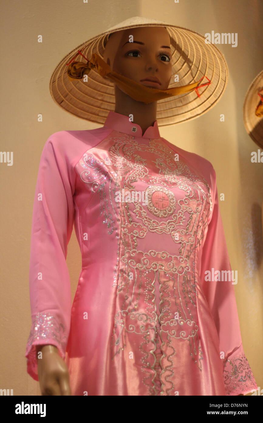 Moderno Vestido De Novia Tradicional Vietnamita Elaboración ...