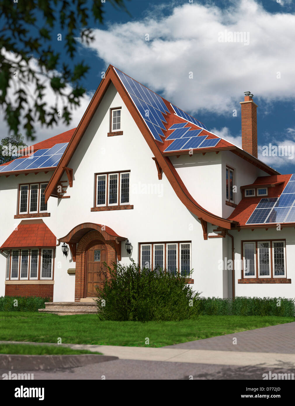 Casa de familia separada con paneles solares en el techo, alimentado por energía solar. El desarrollo sostenible, Imagen De Stock