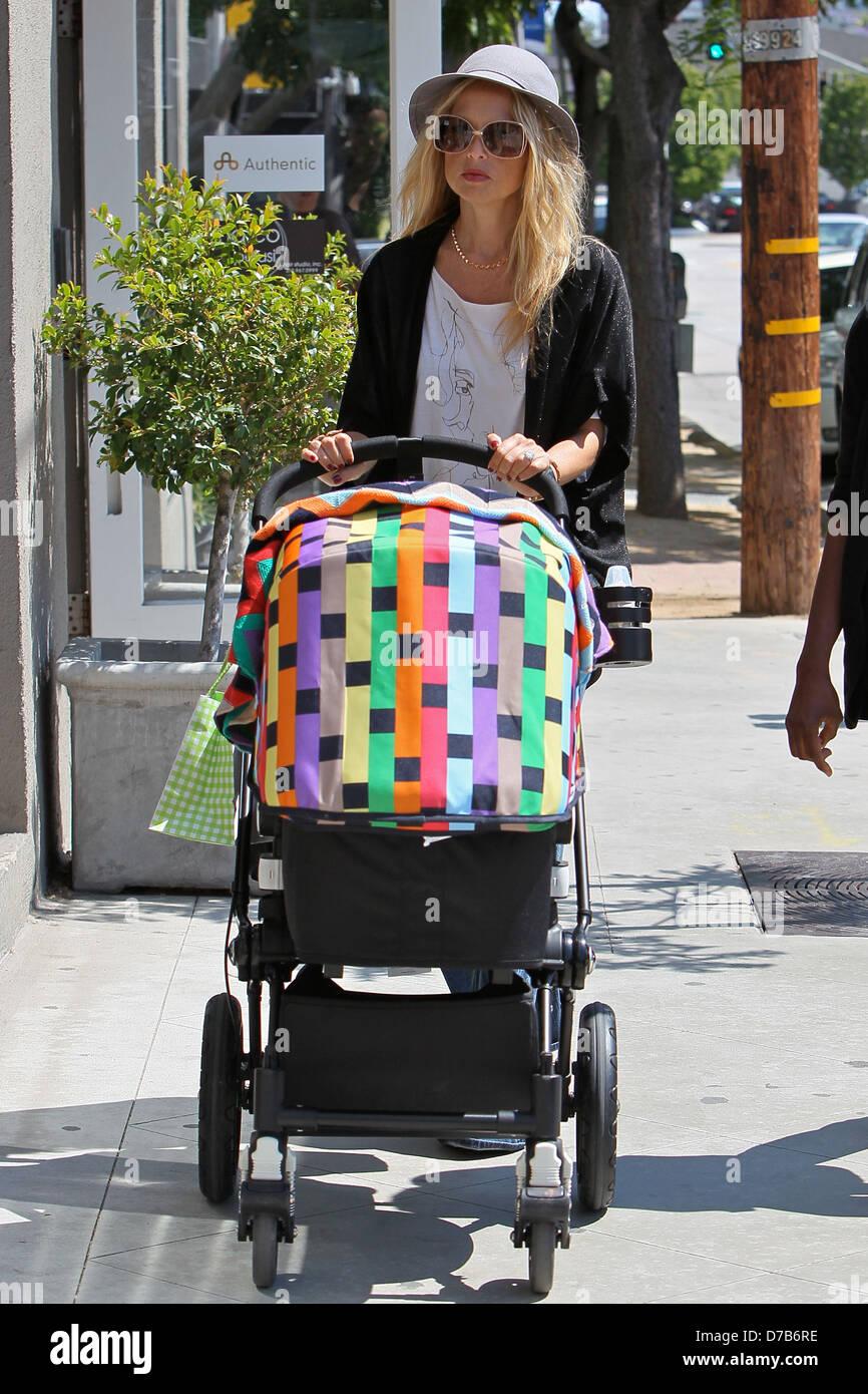 Un Bebé En Un Cochecito, Los Ángeles, CA Fotografía