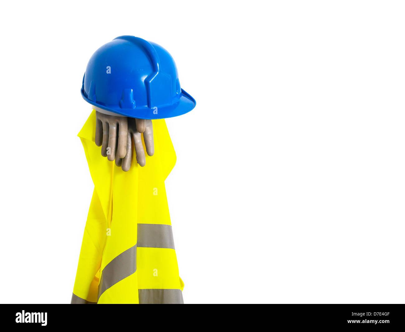 Chaleco reflectante, casco y guantes de seguridad aislado sobre fondo blanco. Un equipo de seguridad. Foto de stock