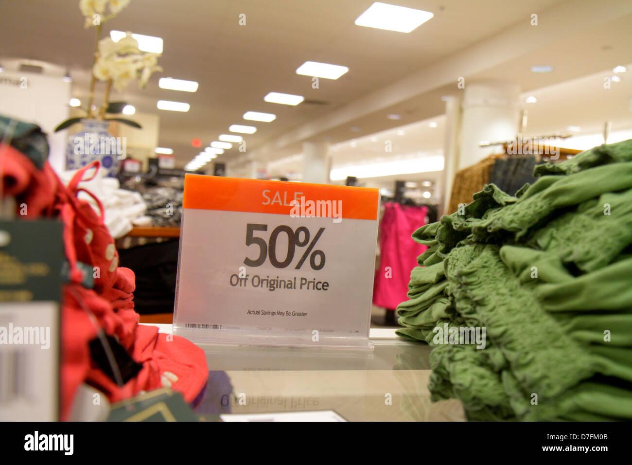 3ea61db56 Florida Miami Dadeland Mall Shopping para la venta de los grandes almacenes  Macy s interior ropa de
