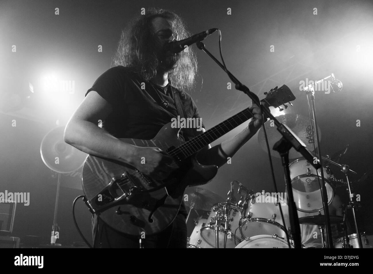 Hans Magnus Ryan de banda de rock psicodélico Motorpyscho noruego realice en el Circolo degli Artisti live club Foto de stock