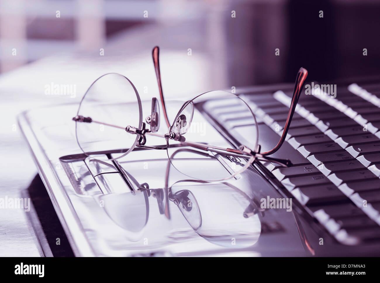 La investigación en Internet, imagen conceptual Imagen De Stock