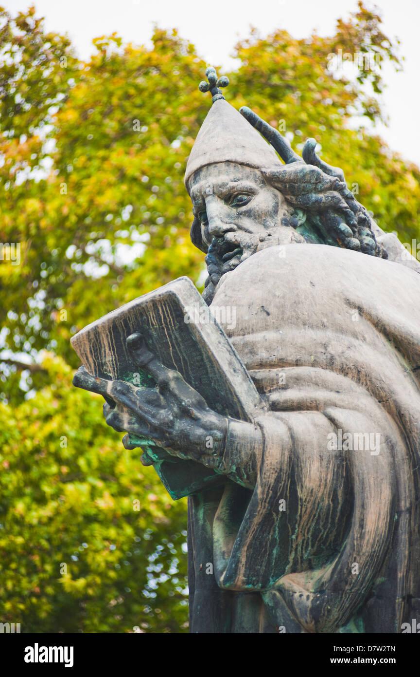 Estatua de Gregorio de Nin (estatua de Grgur Ninski), Split, Dalmacia, Croacia Foto de stock