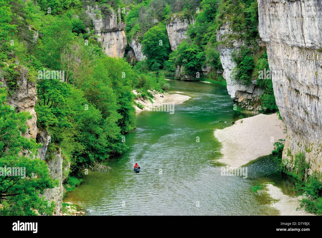 Francia, Midi-Pirineos: viaje en barco por el río Tarn, Gorges du Tarn, Millau Imagen De Stock