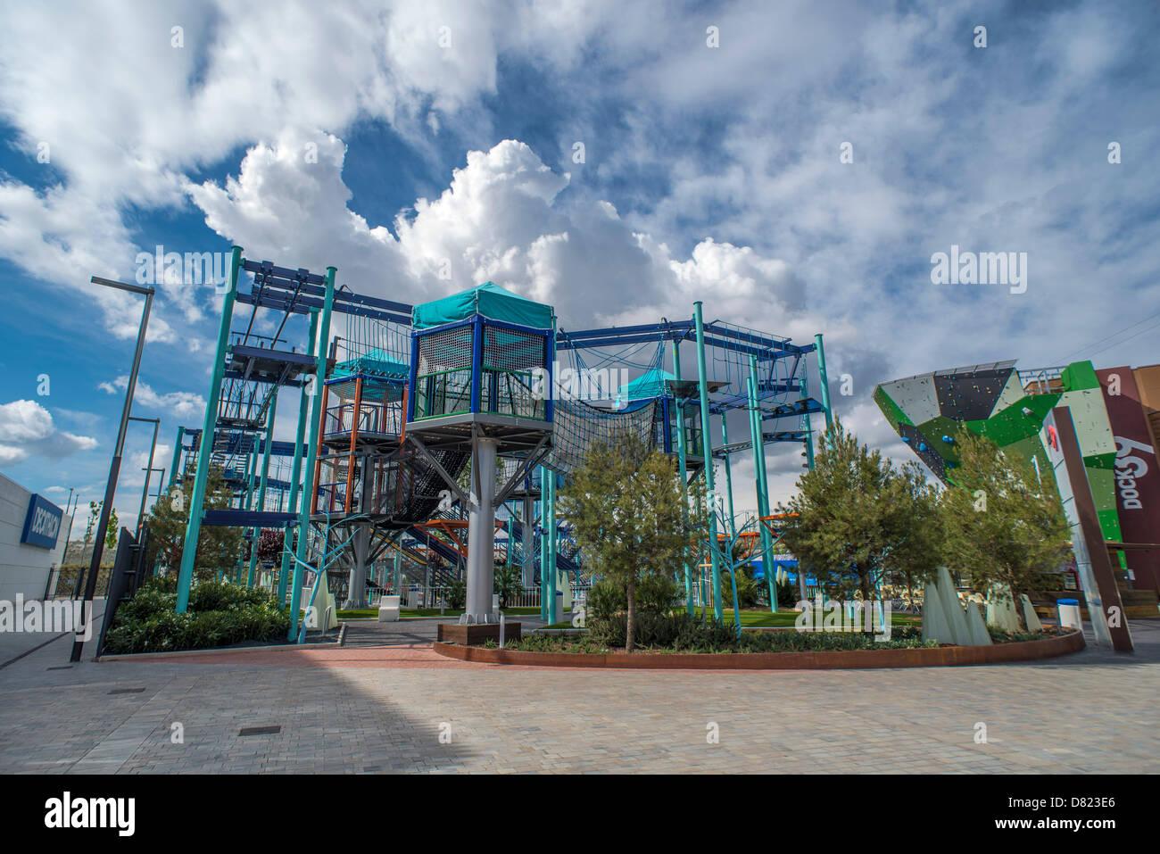 Vistas Del Centro Comercial Puerto Venecia En Zaragoza España El