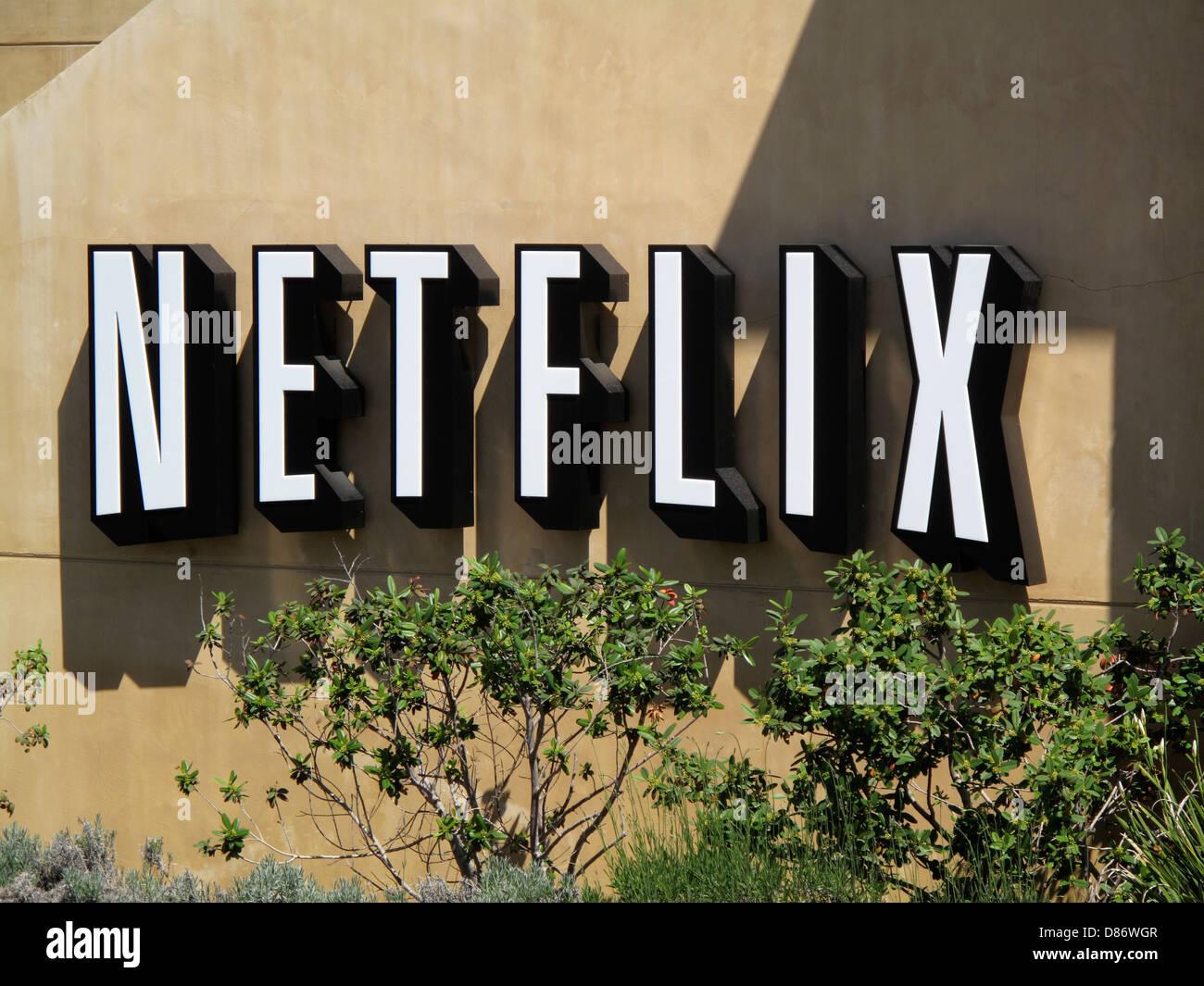 Netflix Netflix signo delante de la sede corporativa al 100 Winchester Círculo en Los Gatos, California. Imagen De Stock