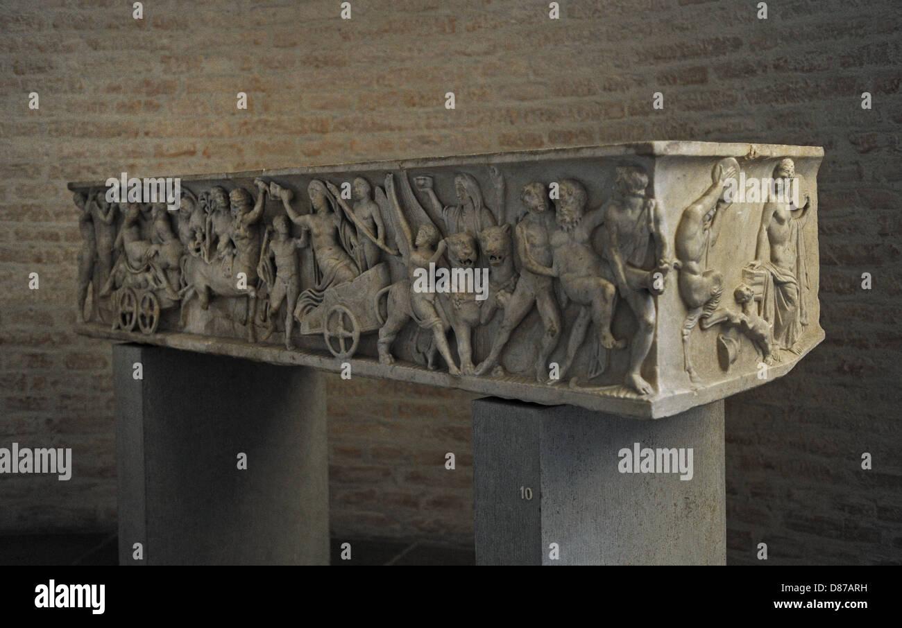 Sarcófago romano. Alrededor de 140 AD. Matrimonio de Dionisio y Adriadne. Glyptothek. Munich. Alemania. Foto de stock