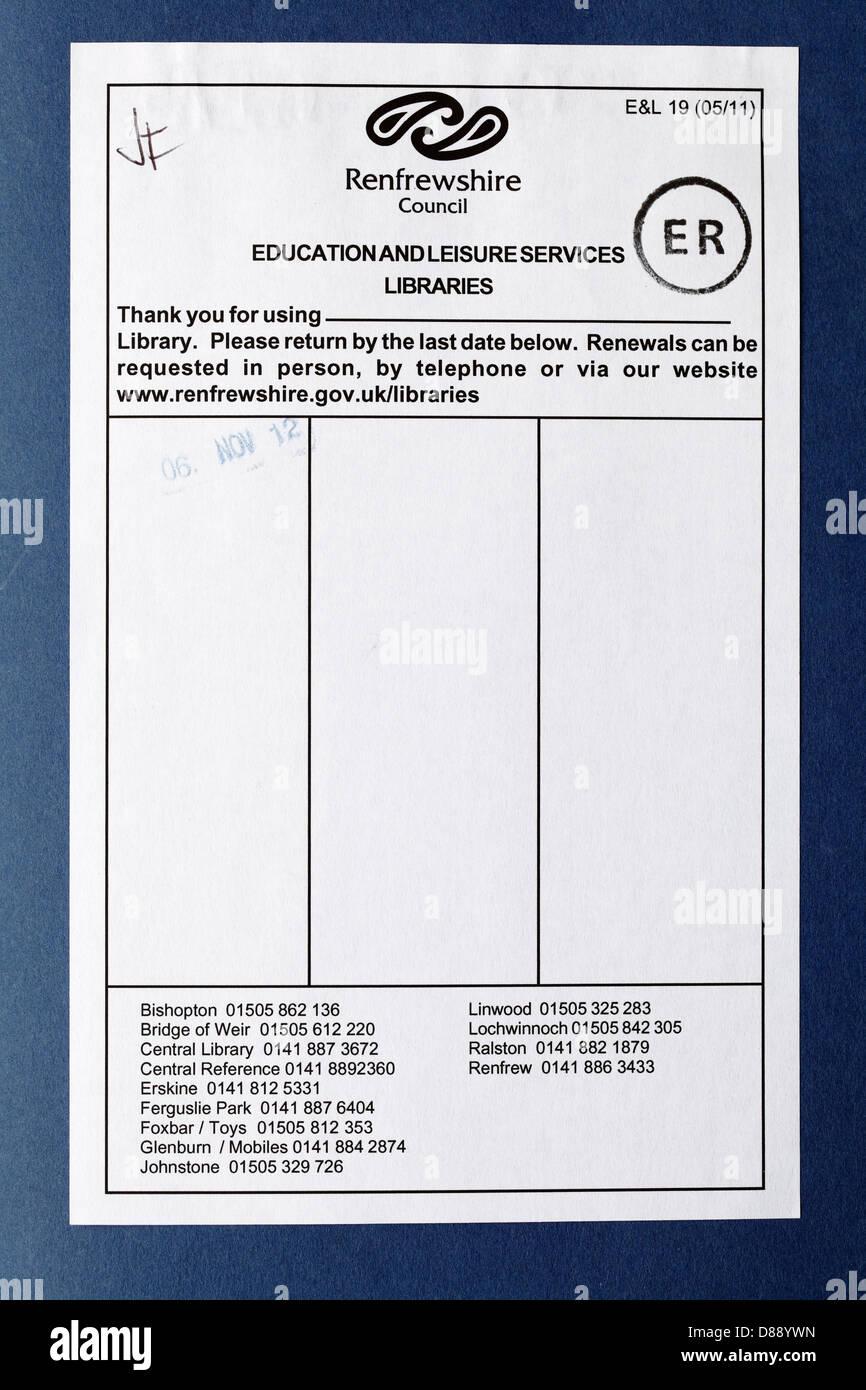 Un libro de la biblioteca del Consejo fecha página, Scotland, Reino Unido Imagen De Stock