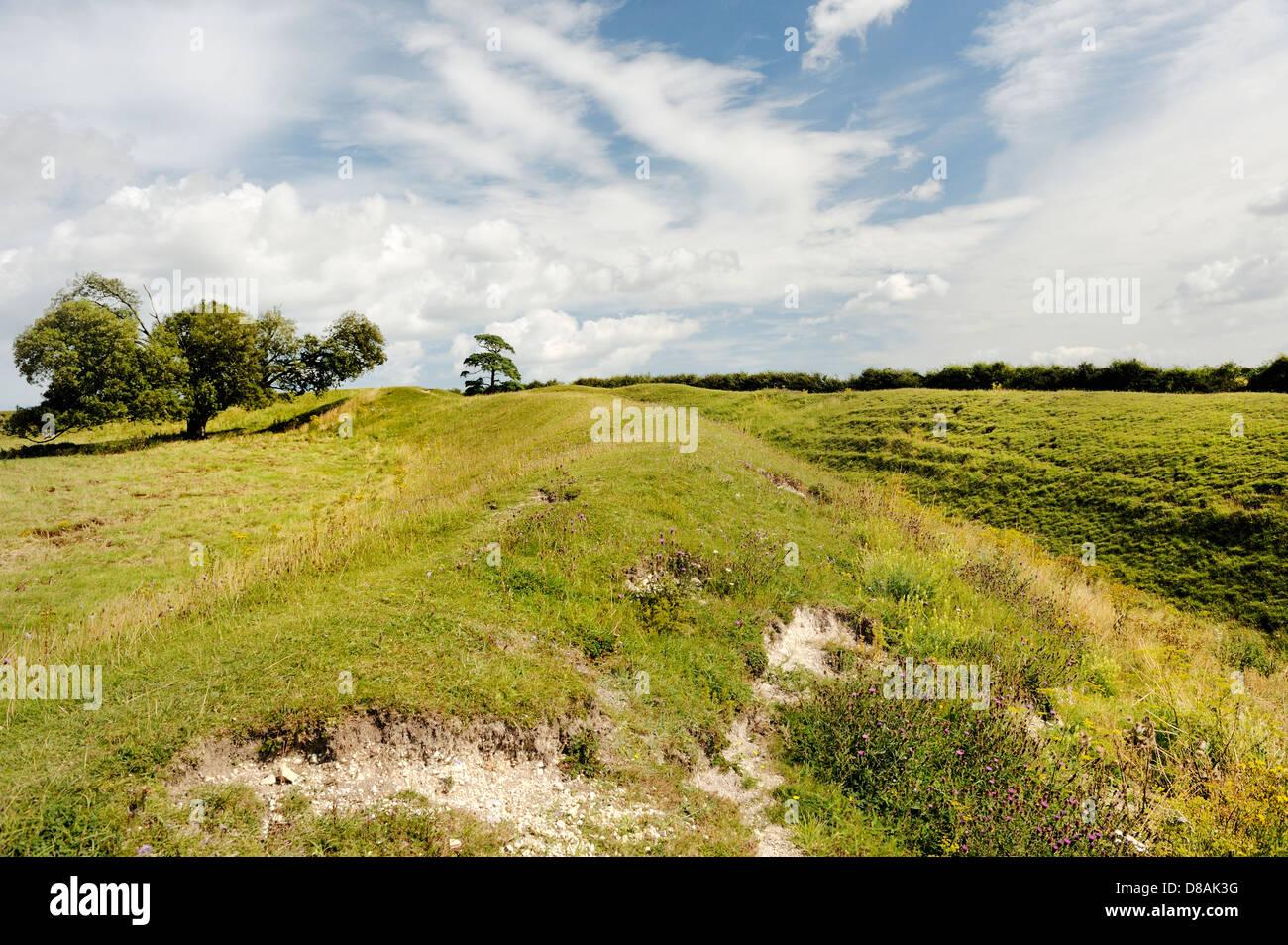 Warham Campamento castros de la Edad de Hierro. La sección de la masiva defensiva banco doble y la zanja. Más Imagen De Stock