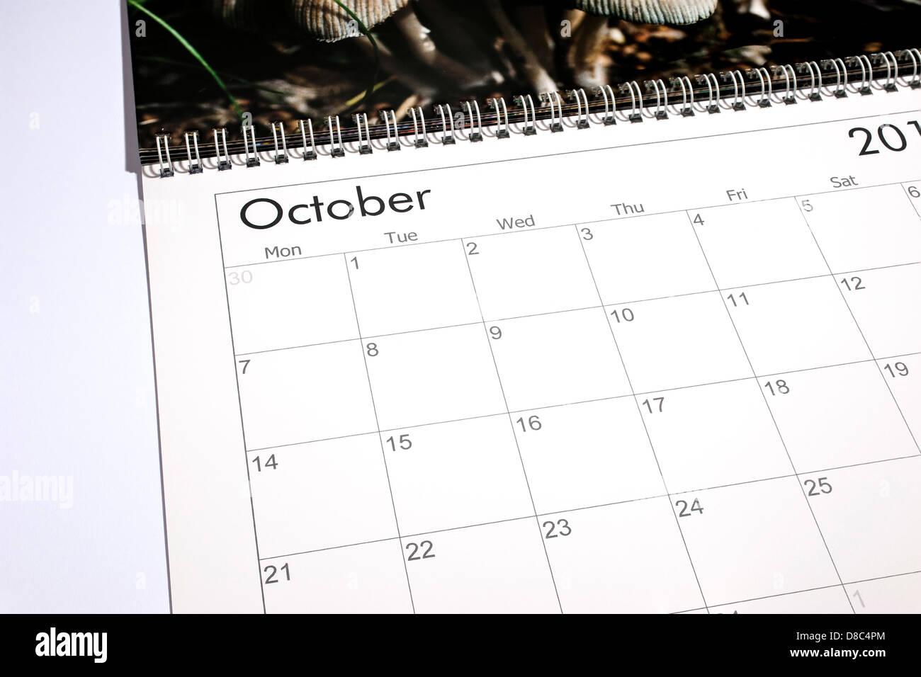 Calendario en blanco página - Octubre de 2013 Imagen De Stock