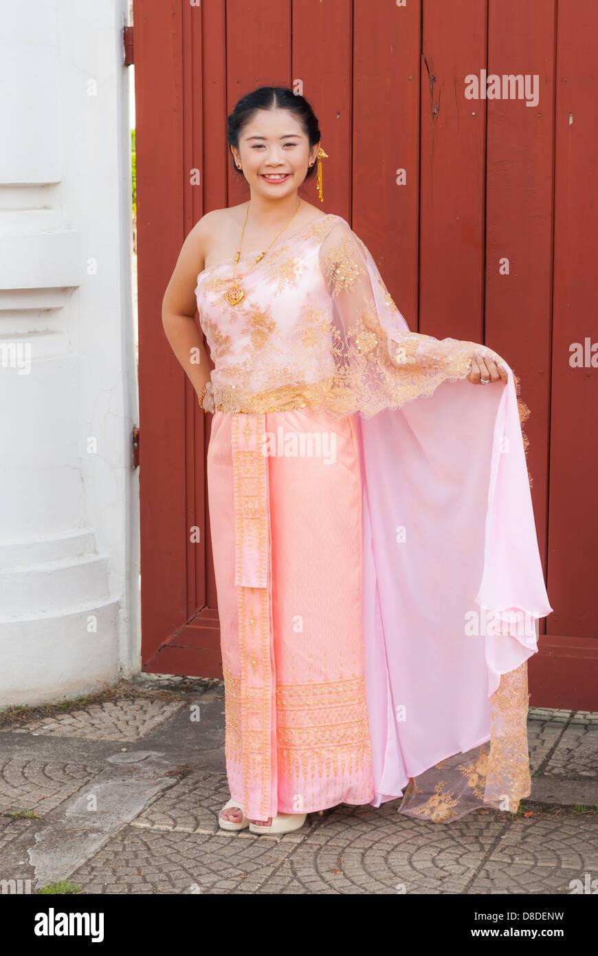 Vistoso Vestido De Novia Tailandesa Galería - Ideas de Estilos de ...