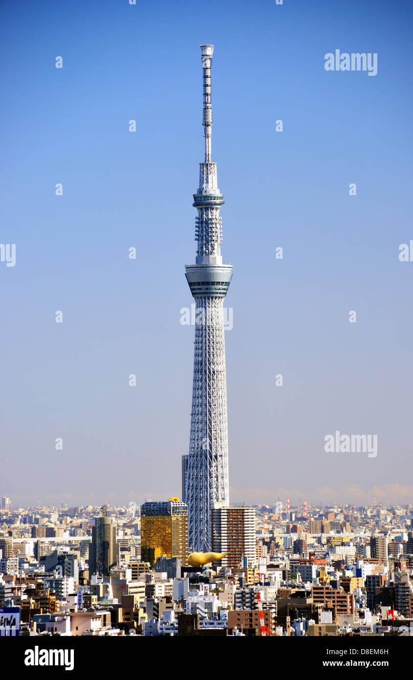 Tokyo Skytree Diciembre 16, 2012 en Tokio, Japón. La Skytree es la segunda estructura más alta del mundo. Foto de stock